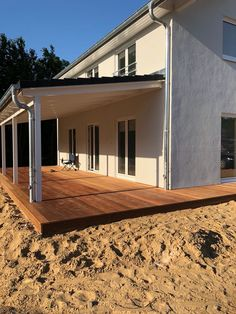 Carport, Vordach, Terrasse oder Gartenhaus - Contract-Vario Family house 145 with large terrace roof Carport Designs, Pergola Designs, Pergola Plans, Diy Pergola, Pergola Ideas, Carport Canopy, Shed With Porch, Yard Sheds, Casa Patio