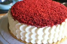 Rica red velvet con la mejor receta de buttercream de queso Sweet Recipes, Cake Recipes, Dessert Recipes, Desserts, Red Velvet Cake Decoration, Bolo Red Velvet, French Bakery, Cheesecake Cake, Cake Shop