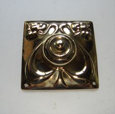 Suitable for use with any low voltage electric bell system, this press has been tested and found to be in ful Door Bells, Art Nouveau, Restoration, Electric, Brass, Doors, Antiques, Antiquities, Antique