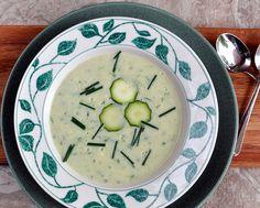Cream of Zucchini Soup ♥ AVeggieVenture.com using Julia Child's master no-cream base for creamy vegetable soups, tastes rich for only 100 calories per cup.