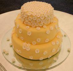 Olá! aqui está a terceira e última parte desta retrospectivade bolos de casamento, desta vez com o tema flores. Acho que são sem dúvida os ...