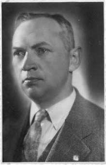 Jan Kurzątkowski (ur. 23 marca 1899 w Radomiu, zm. 3 marca 1975 w Warszawie) - polski projektant, współzałożyciel Spółdzielni Artystów ŁAD, przez wiele lat związany z ASP w Warszawie.