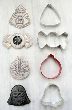 Star Wars cookies made from regular cookie cutters! No special set needed