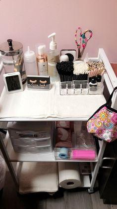 lash room decor Lash Cart at Cocoa Lash Beauty Bar in Austin, TX Home Beauty Salon, Home Nail Salon, Beauty Salon Decor, Beauty Salons, Beauty Studio, Makeup Studio Decor, Spa Room Decor, Beauty Room Decor, Eyelash Studio