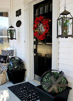 Marvelous Vintage Farmhouse Porch Decorating Ideas on A Budget Country Front Porches, Small Front Porches, Enclosed Porches, Rustic Style, Farmhouse Style, Farmhouse Decor, Vintage Farmhouse, Adirondack Furniture, Porch Furniture