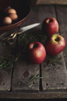 apple skillet cake w/ rosemary crumb • honey & jam