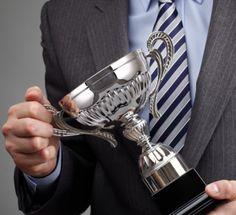 #FGV Online recebe Troféu Top #Empreendedor Nacional 2015. http://fgvnoticias.fgv.br/pt-br/noticia/fgv-online-recebe-trofeu-top-empreendedor-nacional-2015
