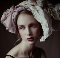 Elaborate Fashion Photography By Kiki Xue | Renaissance, Hoods and ...