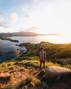 Top travel photos from around the world. Make your own memories by travelling. Help improve quality of life of the country you visit.  Top travel booking sites recommended by experts