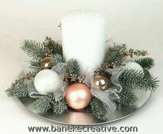 Rose Gold Christmas Decorations, Christmas Table Centerpieces, Christmas Arrangements, Christmas Flowers, Christmas Tablescapes, Christmas Candles, Xmas Decorations, Christmas Holidays, Christmas Wreaths