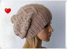 Ehi, ho trovato questa fantastica inserzione di Etsy su https://www.etsy.com/it/listing/259248528/valentine-gift-ideas-womens-hats-knitted