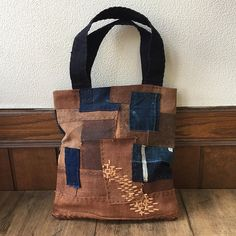 Beautiful new Small Tote Bag! Vintage Sakabukuro with Japanese indigo fabrics remake tote bag. This item is made from antique Sakabukuro, vintage Japanese work jacket Fabrics and antique kimono material is all hand-sewn. It was to a very valuable material, the Katazome indigo dyeing
