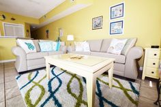 Vacation Rental: Sandpiper Cove in Destin, Florida! Florida Springs, Florida Beaches, Destin Florida, Spring Break Vacations, East Coast Travel, Travelling Tips, Beach Town, Vacation Rentals, Home Decor