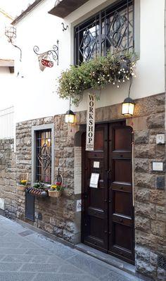 """""""Anche questa è Firenze"""" Una città talmente bella che andrebbe vista da tutti almeno una volta nella vita.  #comunichiamoalmondolitalia  italiaefriends.wordpress.com"""