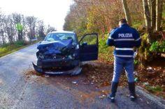 Auto contro un albero a Velletri, muore la cugina della Berté http://tuttacronaca.wordpress.com/2014/01/10/auto-contro-un-albero-a-velletri-muore-la-cugina-della-berte/