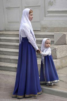 Orthodox Jewish, Russian Orthodox, Orthodox Christianity, Modest Outfits, Modest Fashion, Fashion Outfits, Modest Wear, Biblical Costumes, Catholic Veil
