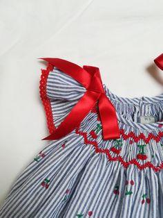 Punto Smok, Smocking, Girls Dresses, Fashion, Kids Fashion, Bee House, Dresses Of Girls, Embroidered Dresses, Kid Outfits
