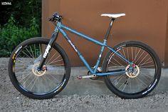 2012 Salsa El Mariachi - rigid XC race 79er / commuter configuration _______________________ © Sarna 97er™ concept by Dawid aka anarchy :] Few things on the 'to change' list but it's almost my perfect bike _______________________ WHEELS: Hope Pro 2 hubs / Mavic TN719 / Sun EQ27_Continental Race King 2.2 / Schwalbe RaRa Evo 2.25 650B /// DRIVE: Race Face Deus SL cranks_RF Turbine BB_Blackspire 38t DH chainring_e*13 XCX chainguide_XTR shifter & Shadow mech_SRAM PG990 cassette /// BRAKES…