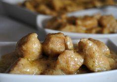 Pollo con Salsa de Cacahuetes, Coco y Leche Ideal
