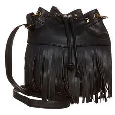 Umhängetasche mit Fransen - Stylische schwarze Umhängetasche von Even&Odd. Diese Tasche ist beides - modisch und praktisch zugleeich. Kann man seine Utensilien besser transportieren? <3 ab 26,95€ Even And Odd, Handbag Accessories, Bucket Bag, Handbags, Shopping, Black, Fashion, Fringes, Moda