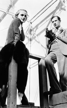 Cecil Beaton photographing Carole Lombard, 1931