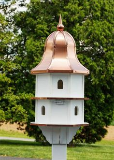 Amish Poly Double Deluxe Large Birdhouse Amish Nautical Decor Collection Make this summer the most beautiful your garden has ever seen with this endlessly charming poly bird house. With ample sp Large Bird Houses, Birdhouse Designs, Birdhouse Ideas, Rustic Birdhouses, Bird House Kits, Copper Roof, Amish Furniture, Garden Architecture, Outdoor Living