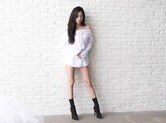 Yg Entertainment, South Korean Girls, Korean Girl Groups, Unique Wedding Colors, 1 Rose, Stunning Girls, Strong Girls, Blackpink Jisoo, Kim Jennie