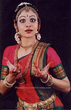 Deepika Padukone Aishwarya Rai Bachchan Kiara Advani Bipasha Basu: Who wore Best Sabyasachi lehenga? Indian Wedding Photography, Photography Women, Dance Photography, Bridal Looks, Bridal Style, Sabyasachi, Lehenga, Indie, Sushmita Sen