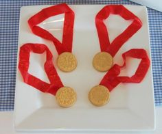 Wreck it Ralph… Mirabelle Creations: {Tutorial} -- Oreo Olympic Gold Medals Dessert *obstacle course medal? Olympic Idea, Olympic Games, Olympic Golf, Olympic Crafts, Theme Sport, Edible Crafts, Food Crafts, Edible Art, Olympic Medals