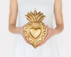 Sacred Heart Milagro Heart Large Gold Heart Flat Catholic | Etsy Première Communion, First Communion Gifts, Crown Centerpiece, Gold Christmas Tree, Christmas Ornament, Christmas Decor, Christmas Holidays, Holiday Decor, Gold Ornaments