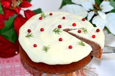 Soft gingerbread with lingon & creamcheese frosting Christmas Food Treats, Christmas Sweets, Christmas Baking, Christmas Cakes, Xmas, Candy Recipes, Baking Recipes, Dessert Recipes, Yummy Treats