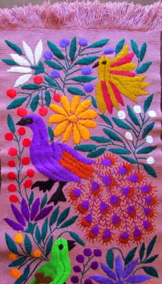 Mexican Embroidery, Bird Embroidery, Embroidery Monogram, Hand Embroidery Patterns, Textile Patterns, Mexican Pattern, Magic Crafts, Mexican Textiles, Embroidered Bird