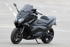 La bulle de protection BCD VX offre au scooter GT une belle dynamique