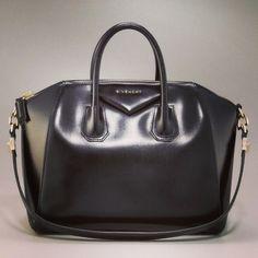 Givenchy Antigona, for sure my next bag!