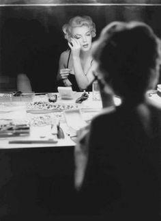 marilyn monroe 13 The young and beautiful Marilyn Monroe photos) Bert Stern, Hollywood Glamour, Classic Hollywood, Old Hollywood, Fotos Marilyn Monroe, Marilyn Monroe Bathroom, Pin Up, Robert Mapplethorpe, Annie Leibovitz