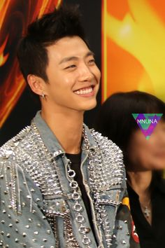 Yongguk; that smile... Tis too much for my poor fangirl heart~