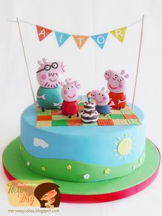 ae 39558 Peppa Pig is really a British preschool lively Tortas Peppa Pig, Bolo Da Peppa Pig, Peppa Pig Birthday Cake, 3rd Birthday, Peppa Pig Cakes, George Pig Party, George Pig Cake, Aniversario Peppa Pig, Family Cake