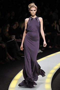 Versace Fall 2008 Ready-to-Wear Collection Photos - Vogue