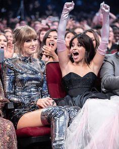 Taylor Swift and Camila Cabello Estilo Taylor Swift, Long Live Taylor Swift, Taylor Swift Pictures, Taylor Alison Swift, Taylor Swift Fashion, Taylor Swift Repuation, Kendall Jenner, Kylie, Irina Shayk