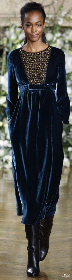 fa53aa208e0 Fall 2016 Ready-to-Wear Vanessa Seward Women's Dresses, Elegant Dresses,  Beautiful