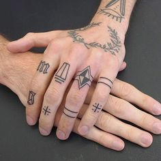 Full set of Russian inspired fingers handpoked last week! Thanks for the trust a d travelling to get them! #purplesunbrussels #handpoked #sticknpoke #handpushed