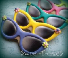 Sweet-T-cakeS on Facebook. Colorful cookie sunglasses. Airbrush work on the lenses