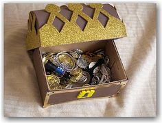 {How to make a pirate treasure chest out of a shoebox} Arg! Look at all that booty!