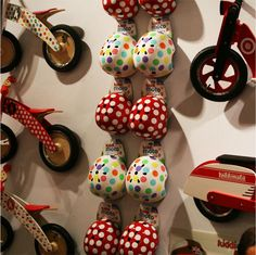 Kiddimoto helmets Parc Floral, 4 Kids, I Fall In Love, Helmets, Twins, Amazing, Products, Hard Hats, Gemini