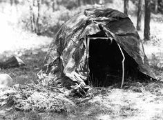 an Indian sweat lodge. (Minnesota Historical Society)