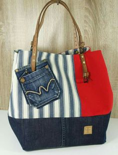 Fashion ideas summer bags Ideas for 2019 Denim Handbags, Purses And Handbags, Sacs Tote Bags, Jean Purses, Diy Sac, Denim Purse, Bags 2017, Denim Crafts, Patchwork Bags