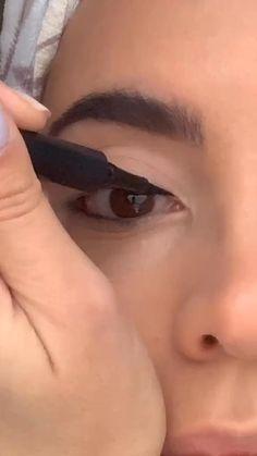 Edgy Makeup, Makeup Eye Looks, Eye Makeup Steps, Eye Makeup Art, Makeup Tips, Retro Eye Makeup, Eye Enlarging Makeup, Doll Eye Makeup, Casual Makeup