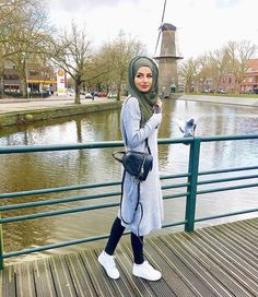 Pinterest @adarkurdish Wish Dresses, Casual Hijab Outfit, Modest Wear, Girl Hijab, College Outfits, Everyday Outfits, Outfit Sets, Hijab Fashion, High Heel