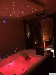 Dream Bathrooms, Dream Rooms, Room Ideas Bedroom, Bedroom Decor, Red Bedroom Design, Dream Home Design, House Design, Romantic Room Decoration, Neon Room