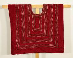 Huipil blouse: Blusa tradicional mexicana, artesanía de Tehuana, cadenilla de Tehuantepec sobre terciopelo borgoña